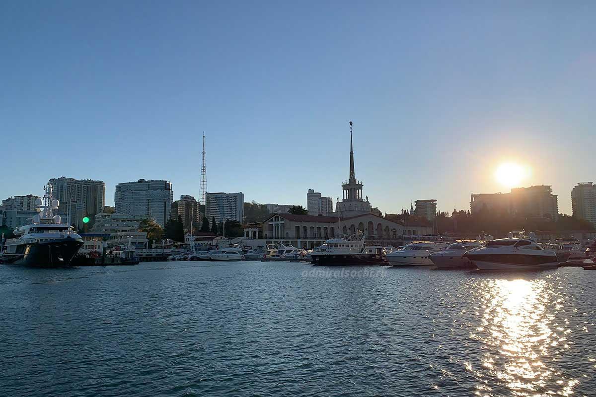 Скидка при аренде яхты в Сочи в утренние часы
