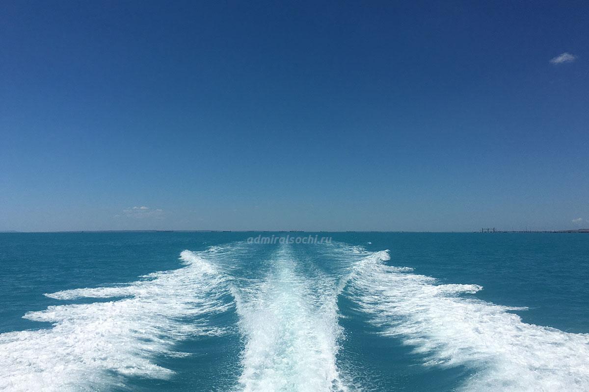Акция на аренду яхты в Сочи на сутки